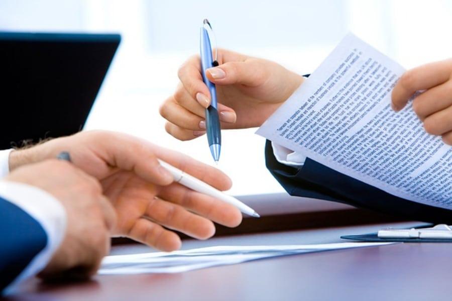 Qual é a importância de um contrato de prestação de serviços contábeis bem elaborado?