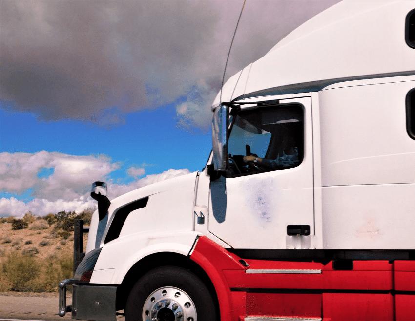 Quais são os aspectos ambientais de uma transportadora?